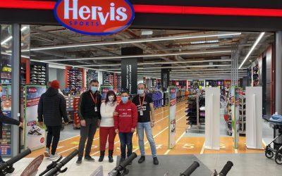 Hervis Sports and Fashion România – Compania de retail articole sportive este interesată de angajarea persoanelor cu Sindrom Down